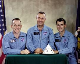 Apollo_1_Prime_Crew_-_GPN-2000-001159